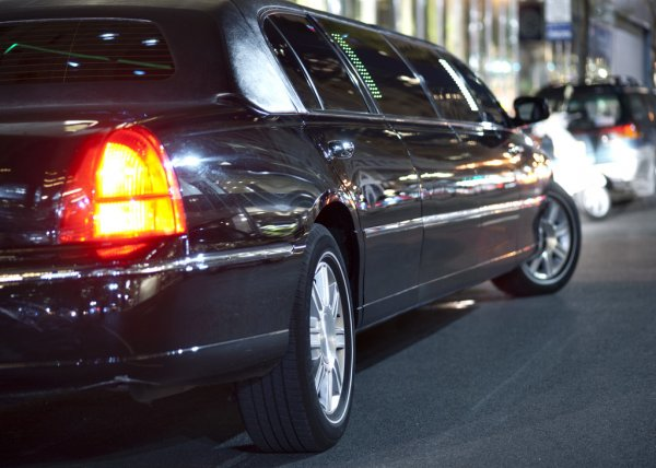 Best Things About Chauffeured Limo Services